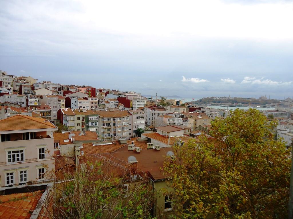 Galatasaray'da faransız sokağına yakın Tarihi Yarımada Manzaralı 1+1 Stüdyo Daire